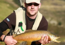 Jason Stuart 's Fly-fishing Catch of a Brown trout – Fly dreamers