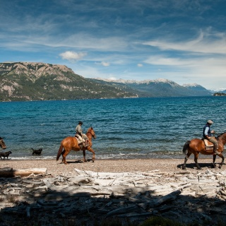 Horse Riding, traful lake - Arroyo Verde Lodge
