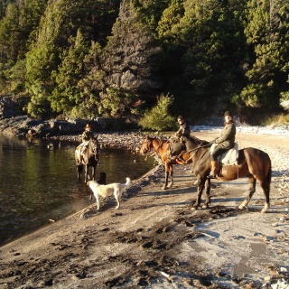 Traful Lake horseriding - Arroyo verde Lodge