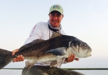 Michael Leishman 's Fly-fishing Pic of a Black Drum – Fly dreamers