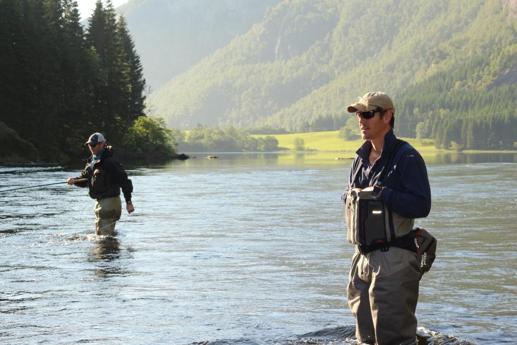 Mark taylor mavungana flyfishing fly fishing guide for Taylor fly fishing