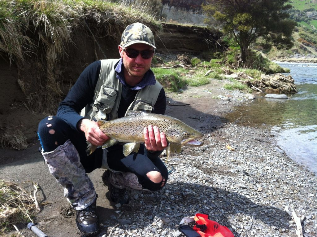 Jonathan bredenkamp fly fishing guide fly dreamers for Fly fishing book