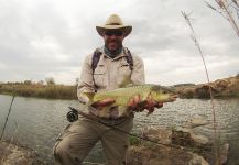 Oliver Otto 's Fly-fishing Catch of a Yellowfish – Fly dreamers