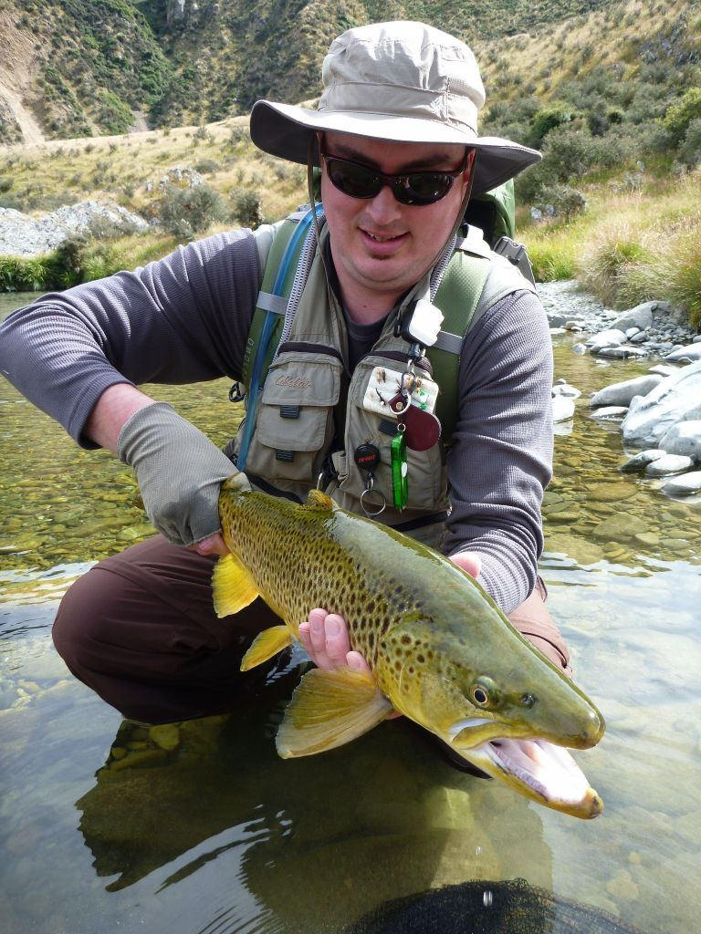 Paul macandrew fly fishing guide fly dreamers directory for Fly fishing book