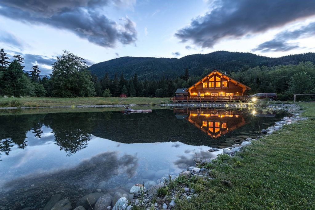 Skeena salmon lodge fly fishing lodge fly dreamers for British columbia fishing lodges