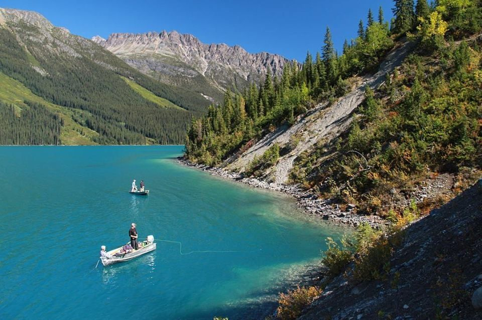 Fortress lake retreat fly fishing lodge fly dreamers for British columbia fishing lodges