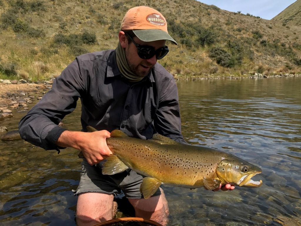 South island adventure fly fishing fly fishing guide for Fly fishing book