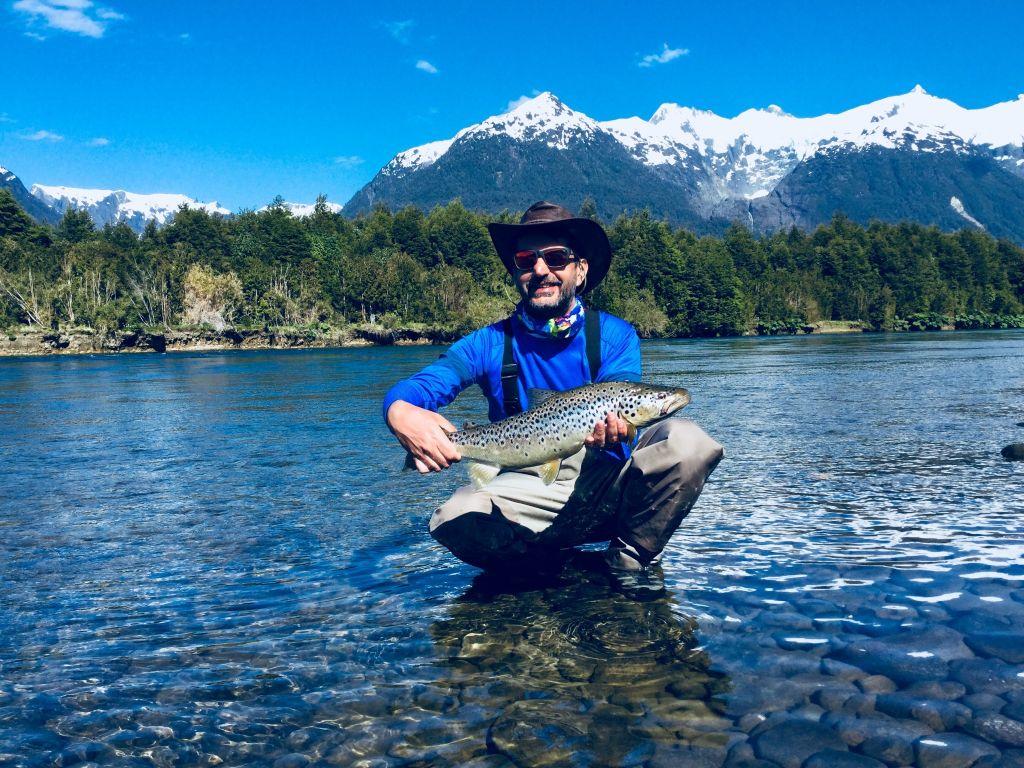 Max segura safian fly fishing guide fly tying for Fly fishing book