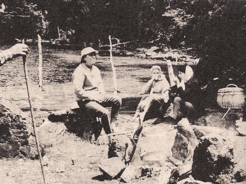 Por Ginés Gomariz. Revista Safari Año V - Nº 40 - 1976. Colección de Noel Pollak.. Una de las pocas eclosiones favorables sucedida en los últimos años en este zarandeado país eleva a la pesca deportiva casi al nivel de deporte nacional....