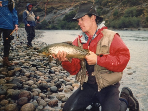 """Sometimes, great things arrive to your email inbox. Today, we had a message by Bob White, the great painter, angler and guide. He sent us a fantastic story of the old days in Patagonia. Here it goes, hope you all enjoy it as much as we did.. """"There are ..."""