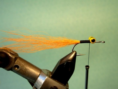 Fly tying - Clouser Minnow - Step 2