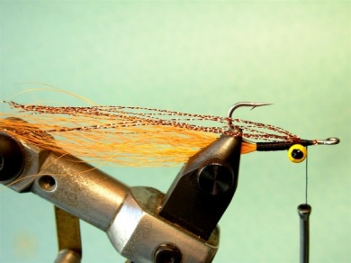 Fly tying - Clouser Minnow - Step 3