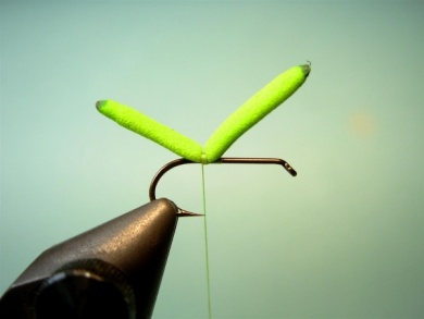 Fly tying - Inchworm - Step 1