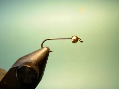 Fly tying - Lightning Bug (variation) - Step 1