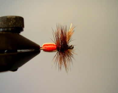 Fly tying - Red Humpy - Step 9