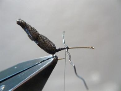 Fly tying - Gaja's Winged Fishing Beetle - Step 9