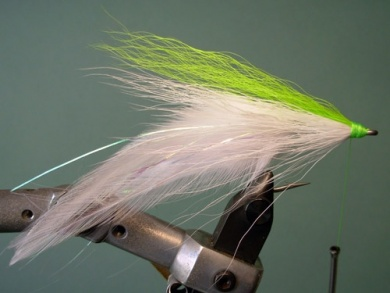 Fly tying - Lefty's Deceiver - Step 6