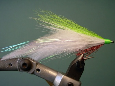 Fly tying - Lefty's Deceiver - Step 7