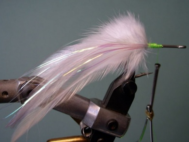 Fly tying - Lefty's Deceiver - Step 2