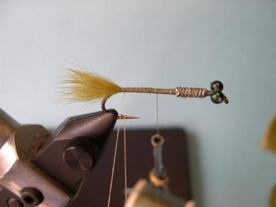 Fly tying - Olive Loop Dragon - Step 3