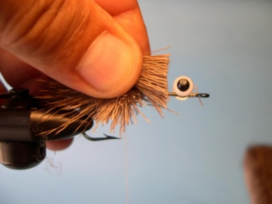 Fly tying - Deer Hair Mouse - Step 4
