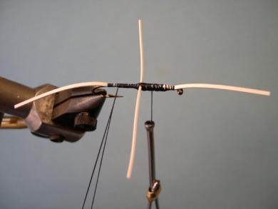 Fly tying - Cousin Itt - Step 4