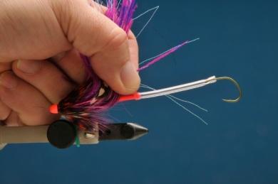 Fly tying - MM Russian Intruder - Step 8