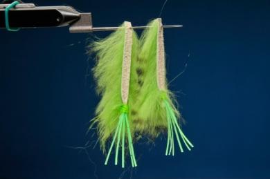 Fly tying - Snake Frog - Step 3