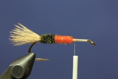 Fly tying - PMX Sparkle Orange - Step 3