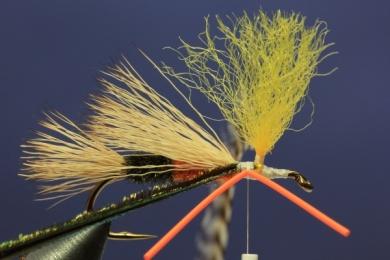 Fly tying - PMX Sparkle Orange - Step 7