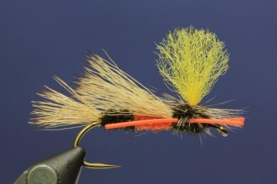 Fly tying - PMX Sparkle Orange - Step 10
