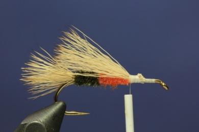 Fly tying - PMX Sparkle Orange - Step 4
