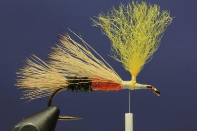 Fly tying - PMX Sparkle Orange - Step 5