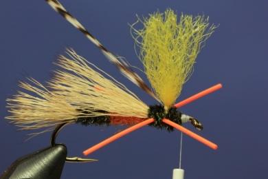 Fly tying - PMX Sparkle Orange - Step 8