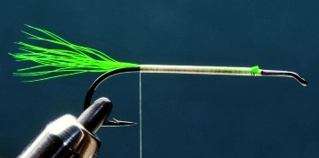 Fly tying - LITTLE RAINBOW TROUT - Step 1