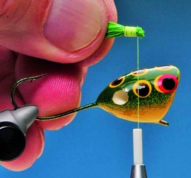 Fly tying - Mc Nally Frog Popper - Step 6