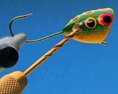Fly tying - Mc Nally Frog Popper - Step 5