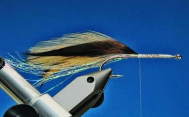 Fly tying - Krystal Popper - Step 4
