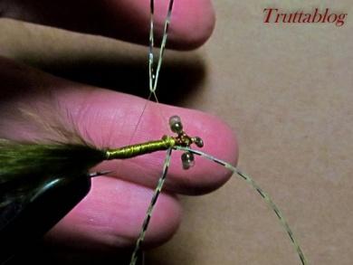 Fly tying - The Slinky Damsel - Step 9