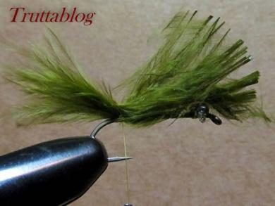 Fly tying - The Slinky Damsel - Step 5