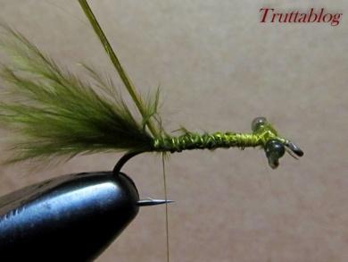 Fly tying - The Slinky Damsel - Step 6