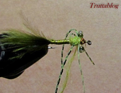 Fly tying - The Slinky Damsel - Step 10
