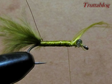 Fly tying - The Slinky Damsel - Step 7