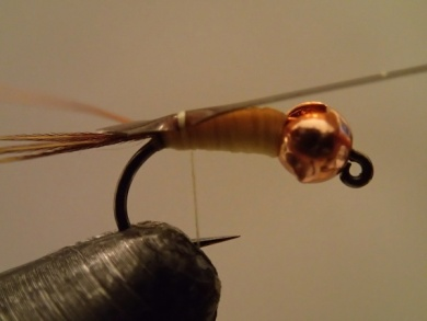 Fly tying - Sulphur on a Jig Hook - Step 6