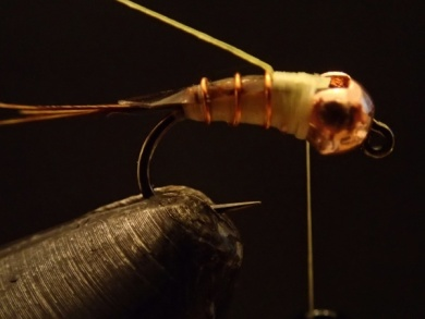 Fly tying - Sulphur on a Jig Hook - Step 9