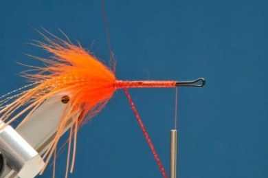 Fly tying - Hula Dancer - Step 4
