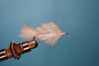 Fly tying - Pearl Shad - Step 4
