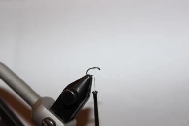 "Fly tying - The ""Mountain Dew Midge"" - Step 1"