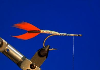 Fly tying - M.M. Silver Mojarra - Step 2
