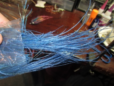 Fly tying - Blue & Pink - Step 13